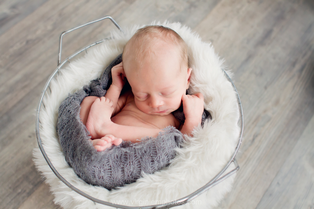 Virginie M. Photos-photographe-naissance-nouveau né-bébé-famille-Nord-Croix 2