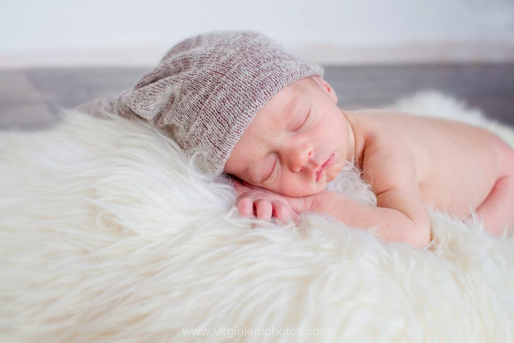 Virginie M. Photos-photographe-naissance-nouveau né-bébé-famille-Nord-Croix (9)